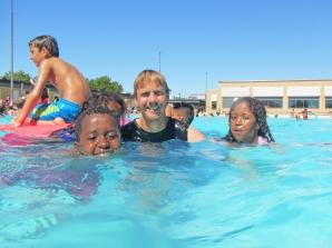Somaliska Freds Bad på Rosengårdsbadet 2015 Rosengård Malmö