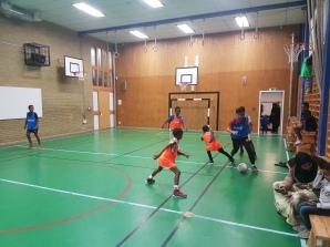 Somaliska Freds fotbollslag träning varje helg
